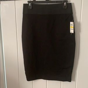 I.N.C. Black pencil skirt, size M NWT